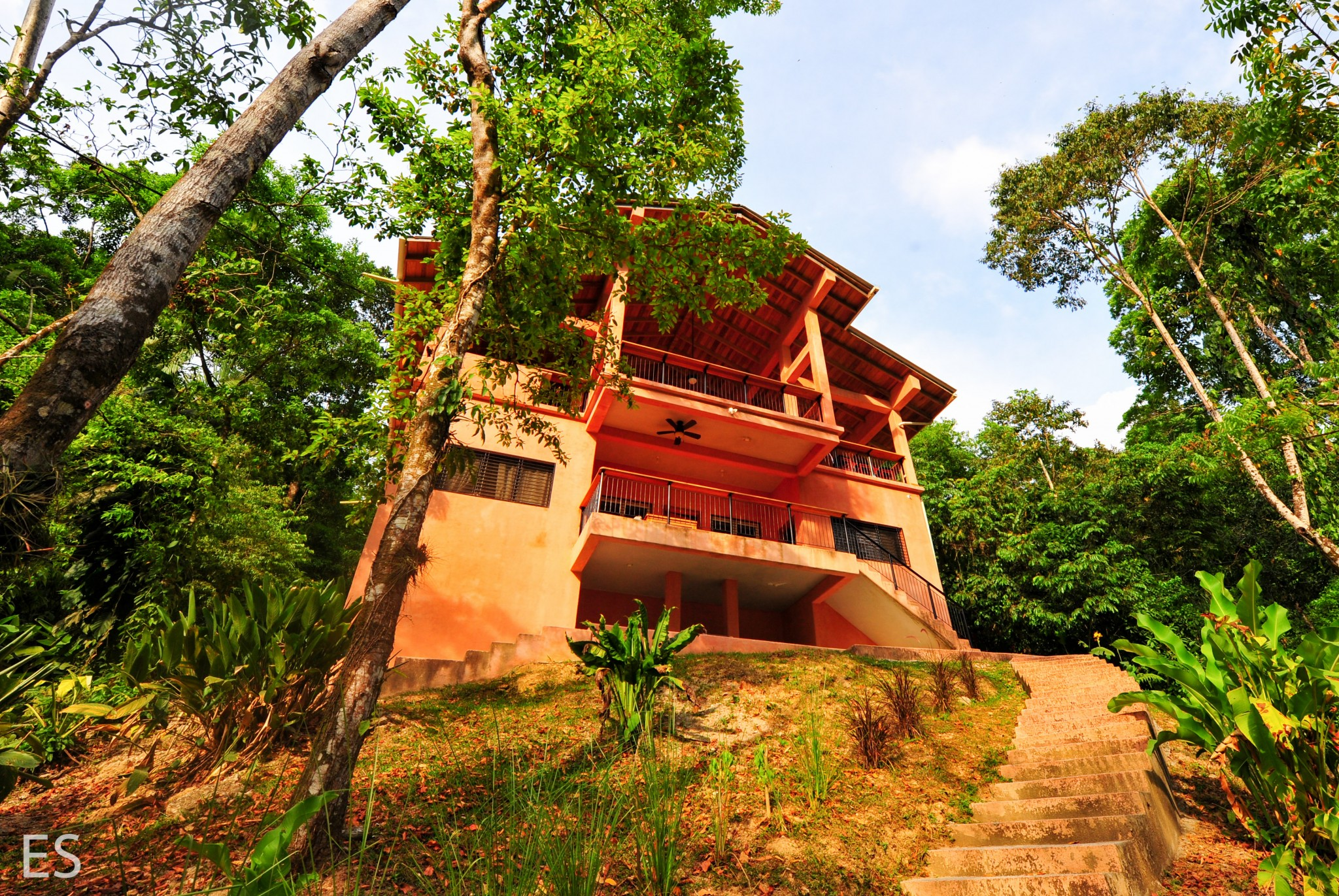 Mountain Side - Retreat Villa